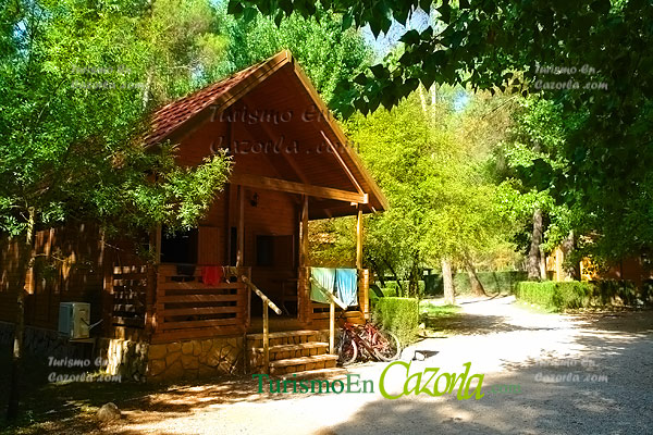 Caba as de madera los llanos de arance casa rural y for Precios cabanas de madera baratas