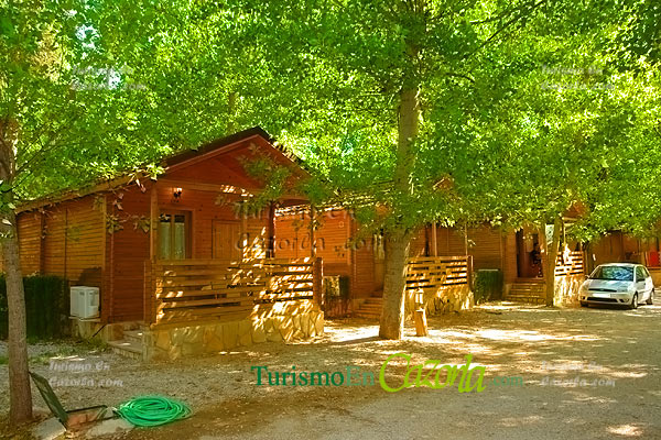 Caba as de madera los llanos de arance casa rural y - Fotos de bungalows de madera ...
